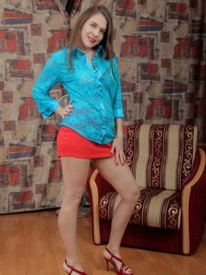 Agneta_OrangeSkirtBlueBlouse_0031